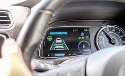 全球暢銷電動車款 (二):Nissan LEAF 電動車的科技感